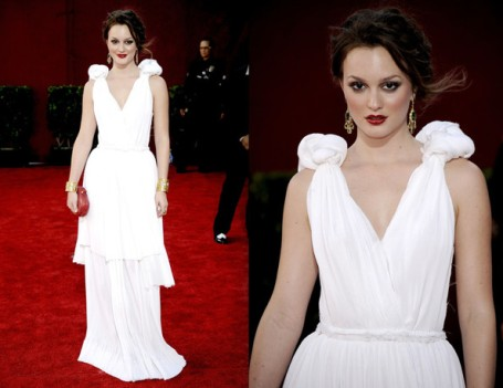 Leighton Meester at the 2009 Emmy Awards