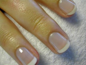 short-french-manicure